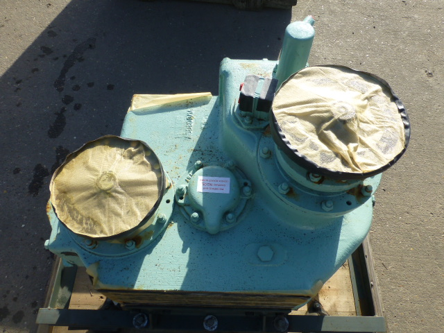 Lot 1140 - Fully Reconditioned Foden Transfer Gearbox