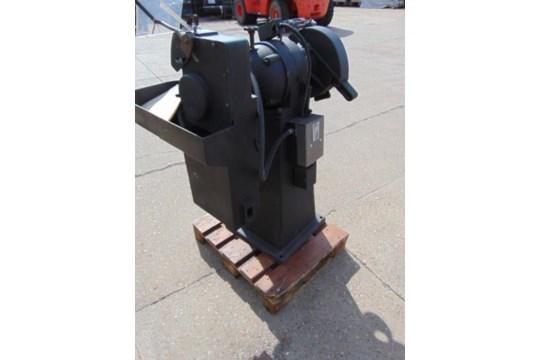 Lot 26623 - Model 10 WG Wet and Dry Workshop Grinder