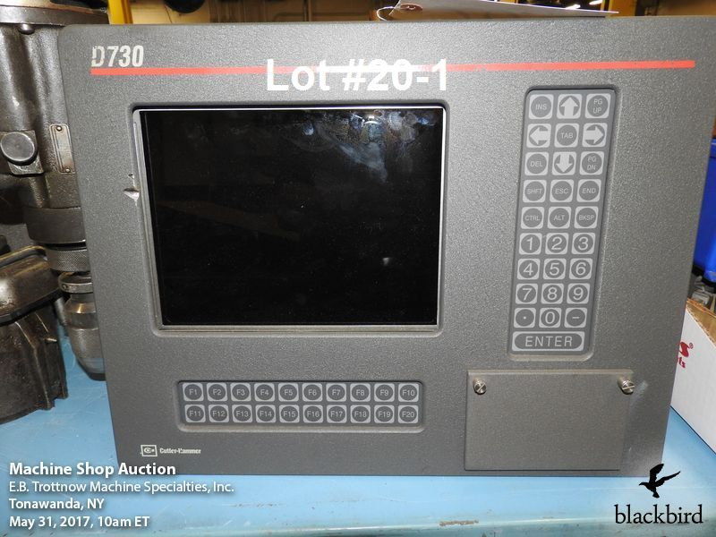 Lot 20 - Lot of electronics- Cutler-Hammer D730 monitor with man