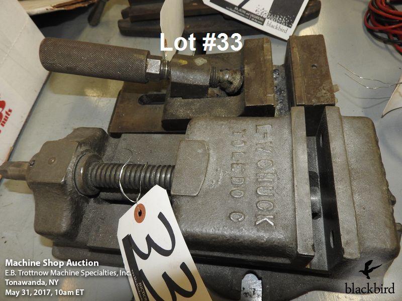 "Lot 33 - Lot- (1) 4 1/4"" and (1) 3 1/2"" drill press vises"
