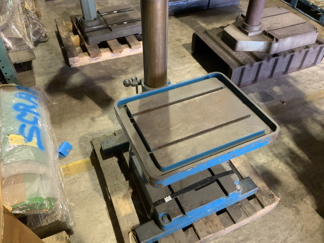 Lot 1370 - Drill press