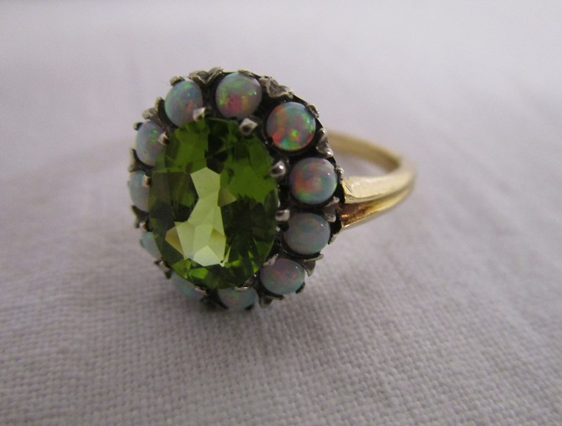 Lot 17 - 15ct gold peridot & opal cluster ring