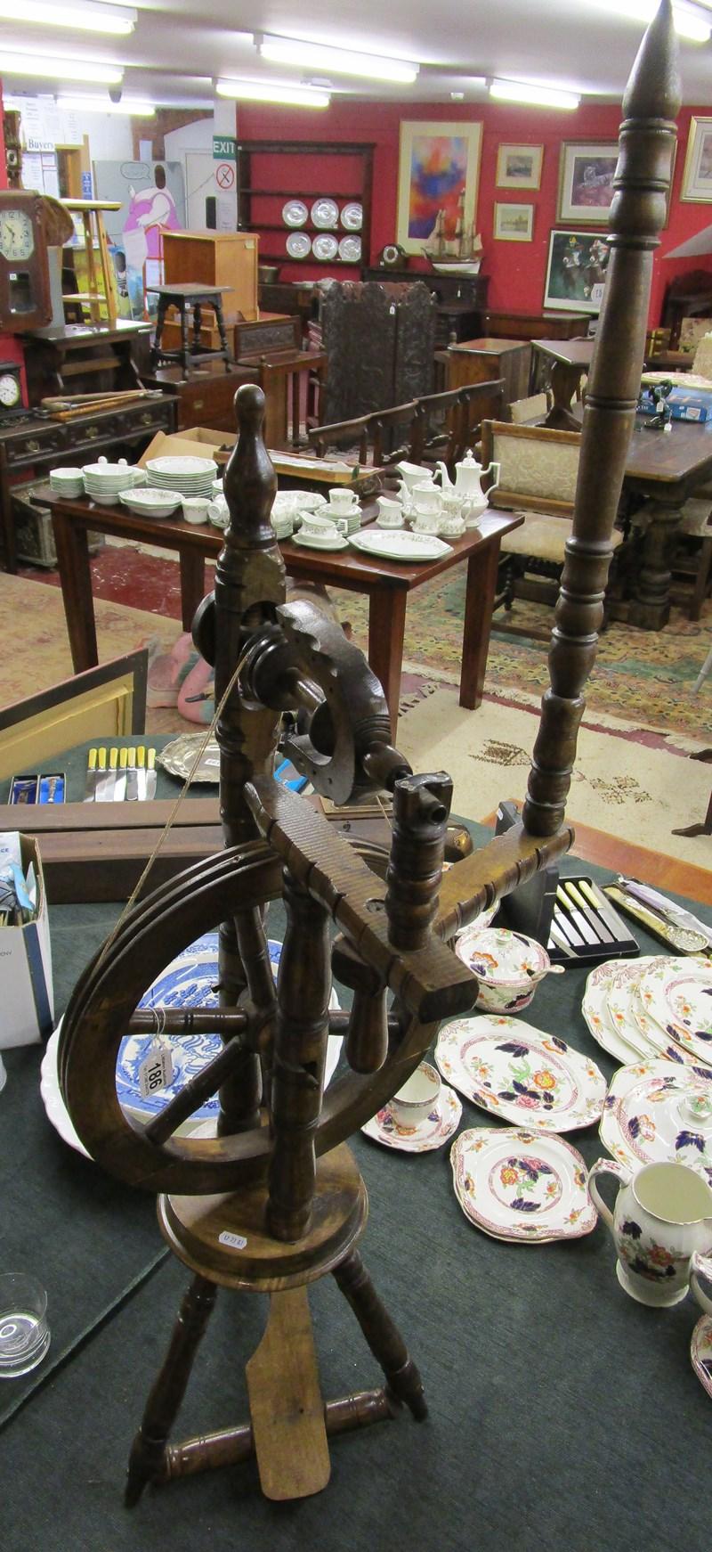 Lot 186 - Spinning wheel