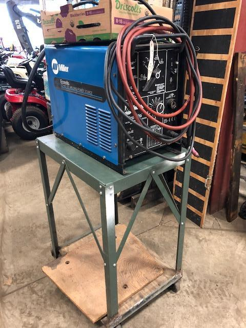 Miller CC-AC/DC welding power source. Works good. Beautiful. Comes with everything in pic
