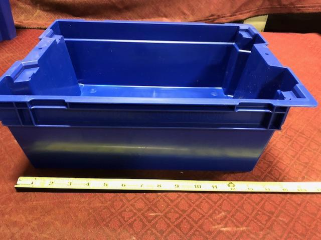 Trelleborg Rubore plastic storage totes. Containing 2 different sizes. (See pics). - Image 3 of 4