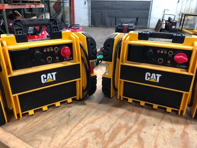 Cat CJ3000 12V DC jump box