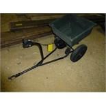 Pull-type lawn fertilizer spreader