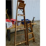 7' Wood step ladder