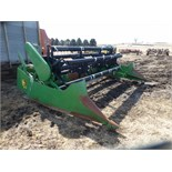 John Deere 213 bean head w/ black reel