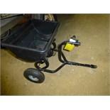 Pull type lawn fertilizer spreader