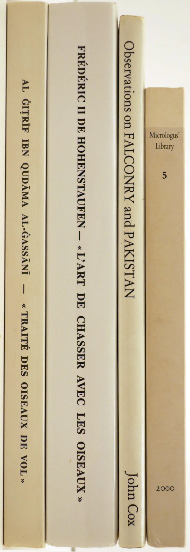 Lot 606 - 11 vol. onfalconry through the ages and across the world. Diff. sizes and present. [...]
