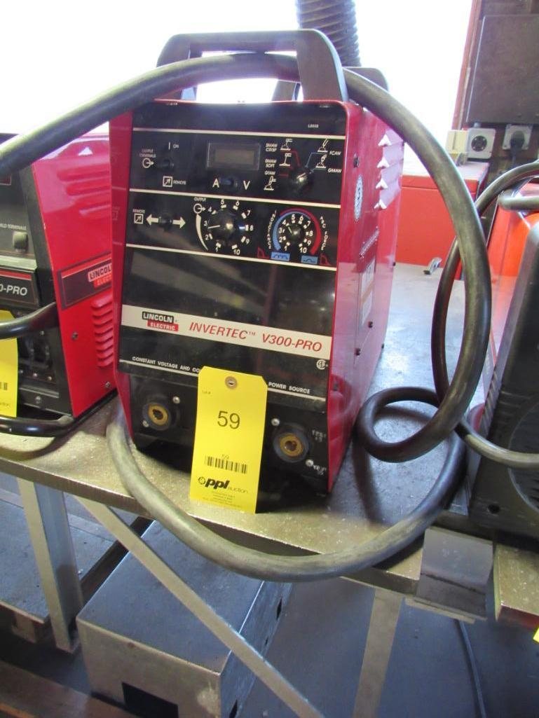 Lot 59 - Lincoln Invertec V300-PROW Welding Power Source
