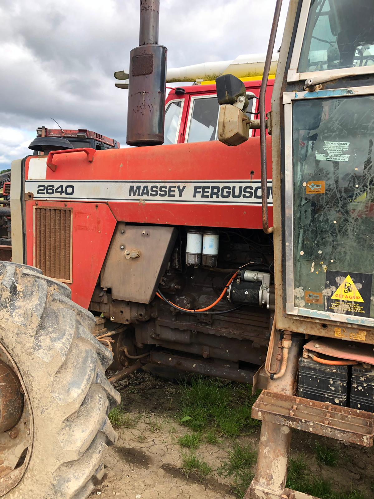 Lot 110 - MASSEY FERGUSON 2640 RED TRACTOR, RUNS AND WORKS, SHOWING - 6489 HOURS *PLUS VAT*