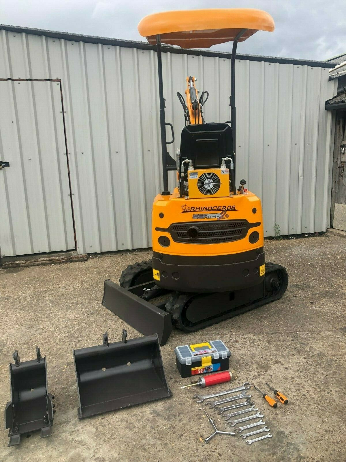 Lot 52 - MINI EXCAVATOR BRAND NEW JUNE 2019, RHINOCEROS XN08, LATEST MODEL SERIES 2 PLUS 3 BUCKETS *PLUS VAT*