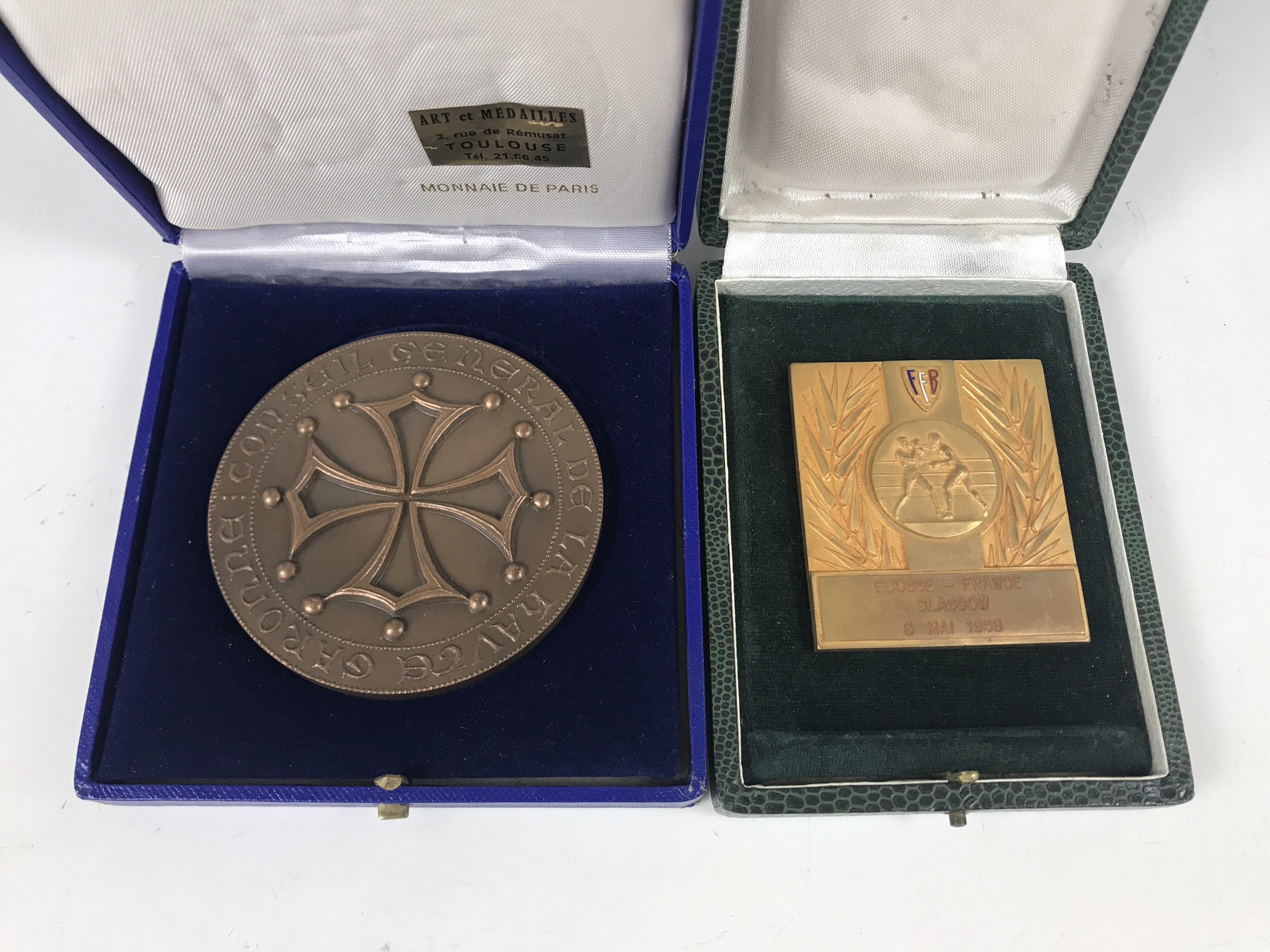 Lot 23 - A large reproduction bronze Conseil General de la Havre Garonne medal dated 1978 together with a