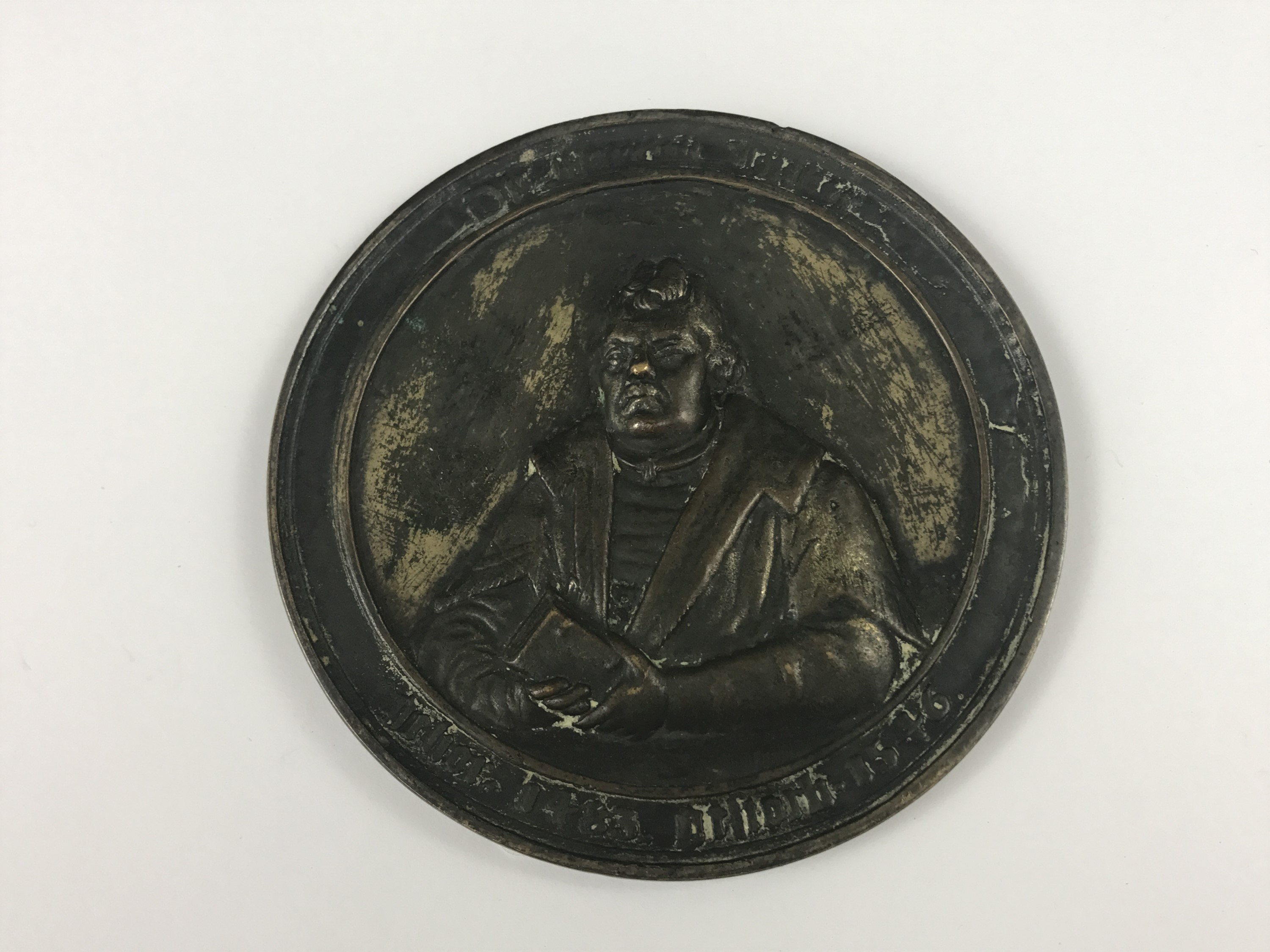 Lot 39 - A large 19th Century cast brass medallion commemorating Martin Luther, 10.5 cm