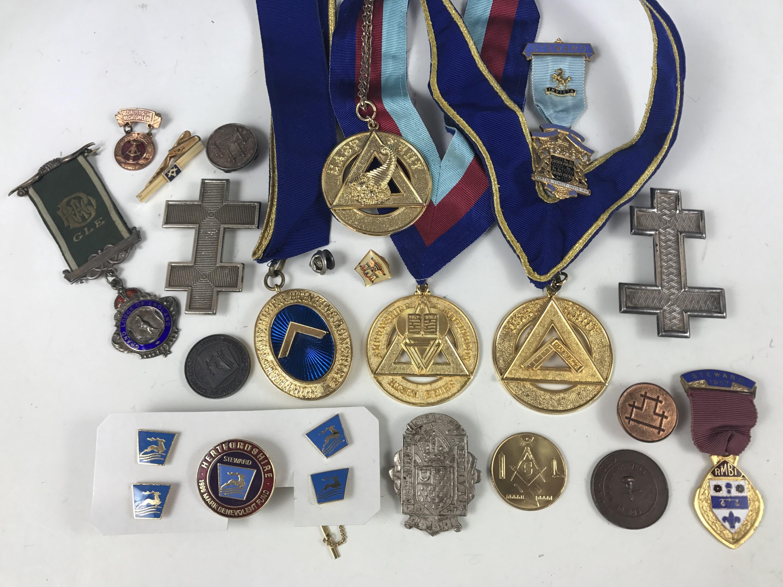 Lot 25 - A quantity of Masonic and similar medallions etc