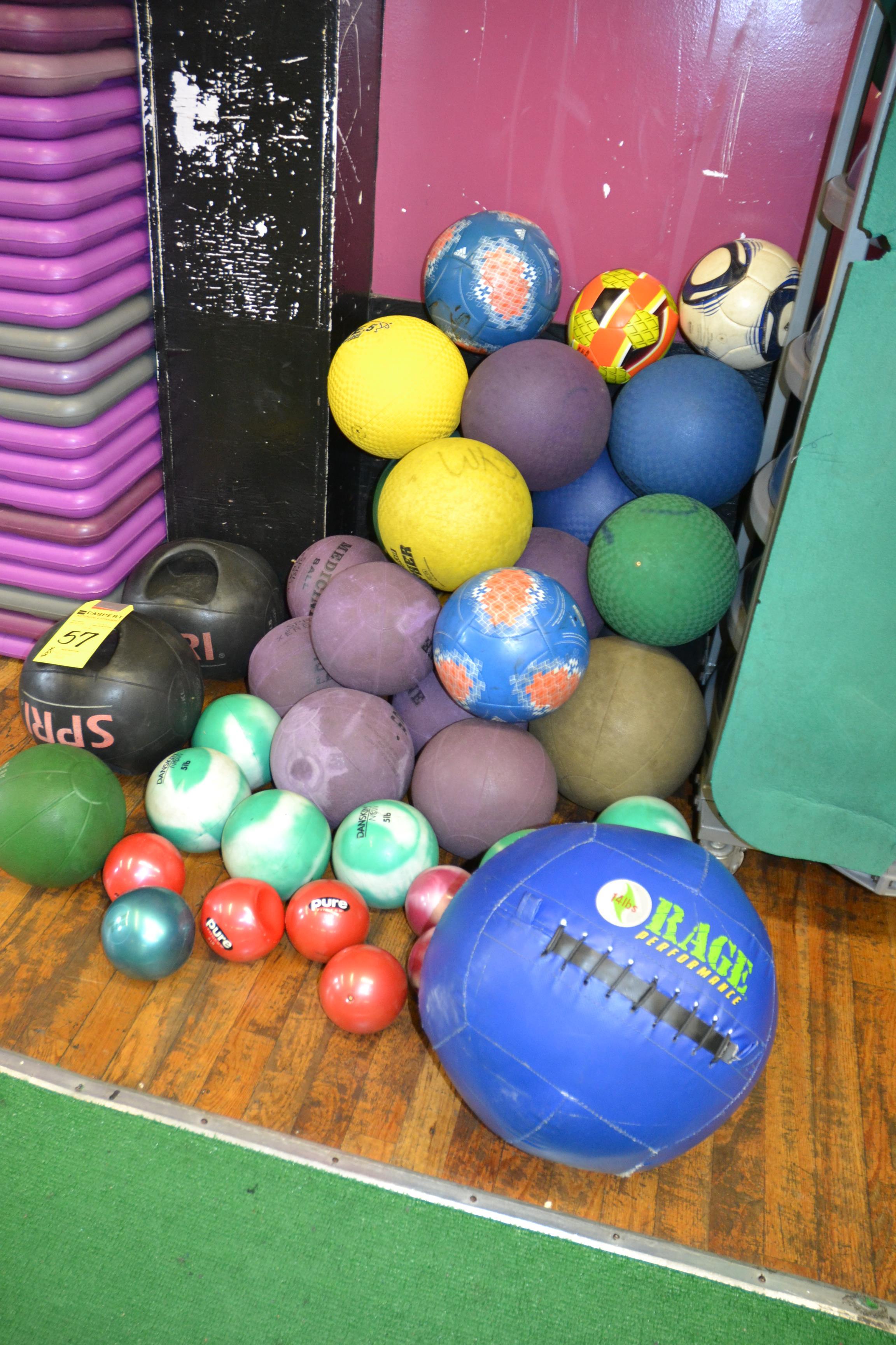 Lot 57 - LOT - MEDICINE BALLS