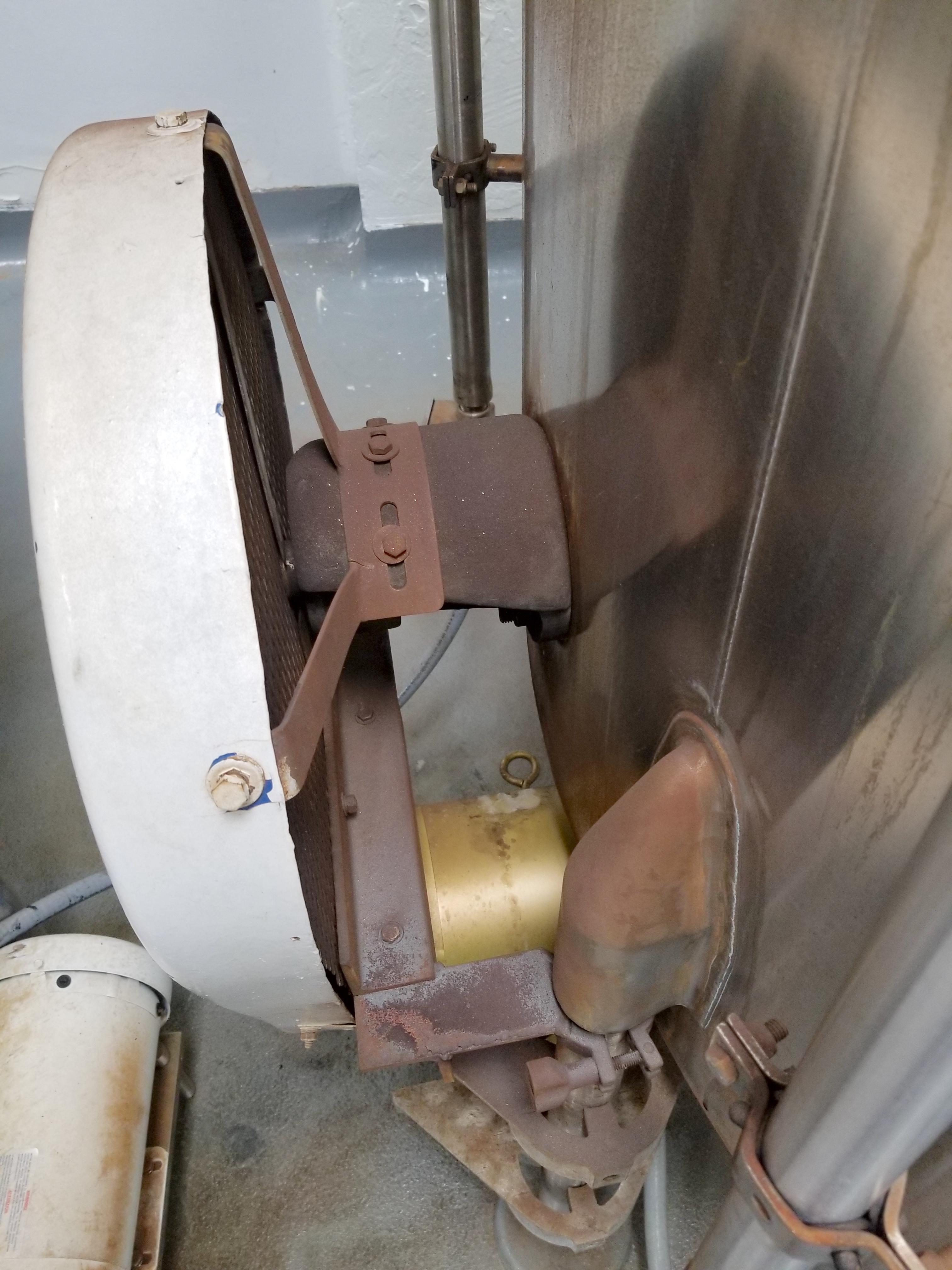 Chem Tank 2,000 Gallon Vertical Mixing Tank - Image 3 of 7