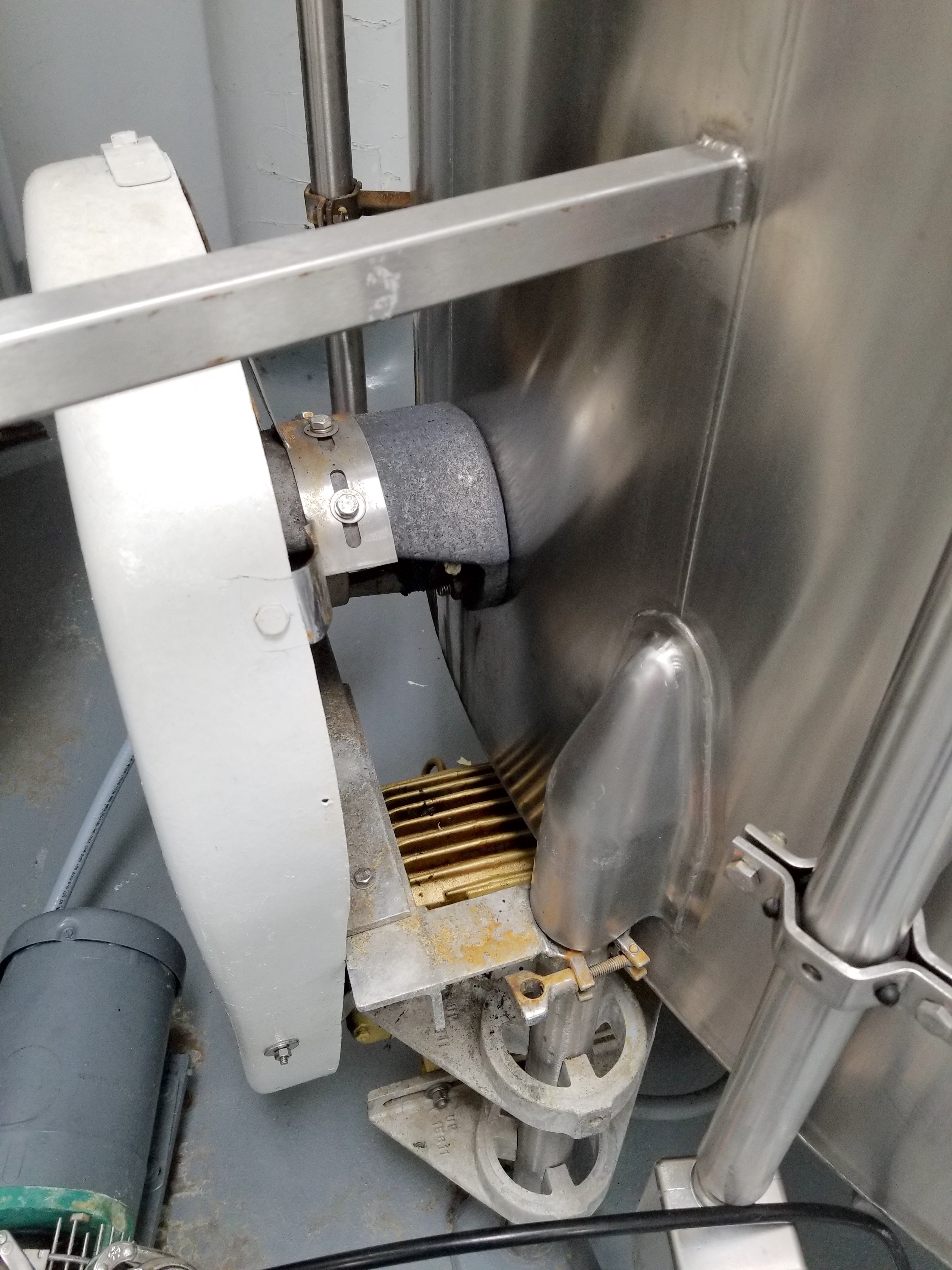Chem Tank 2,000 Gallon Vertical Mixing Tank - Image 3 of 6