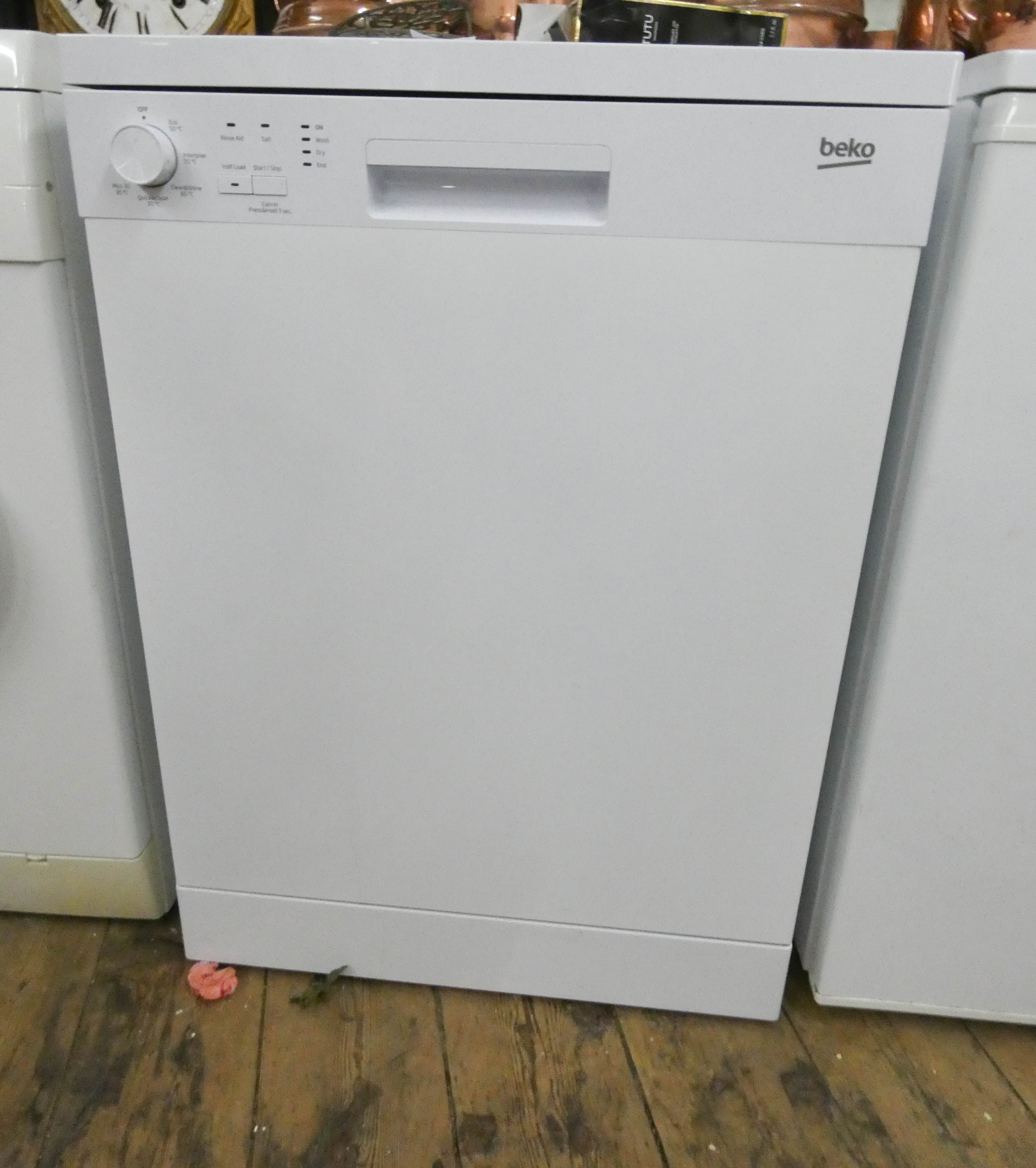 Lot 11 - A Beko dishwasher