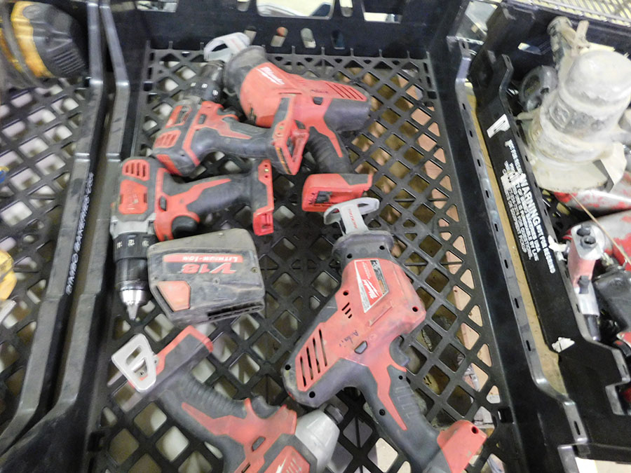 LOT OF ASSORTED MILWAUKEE TOOLS - Image 2 of 2