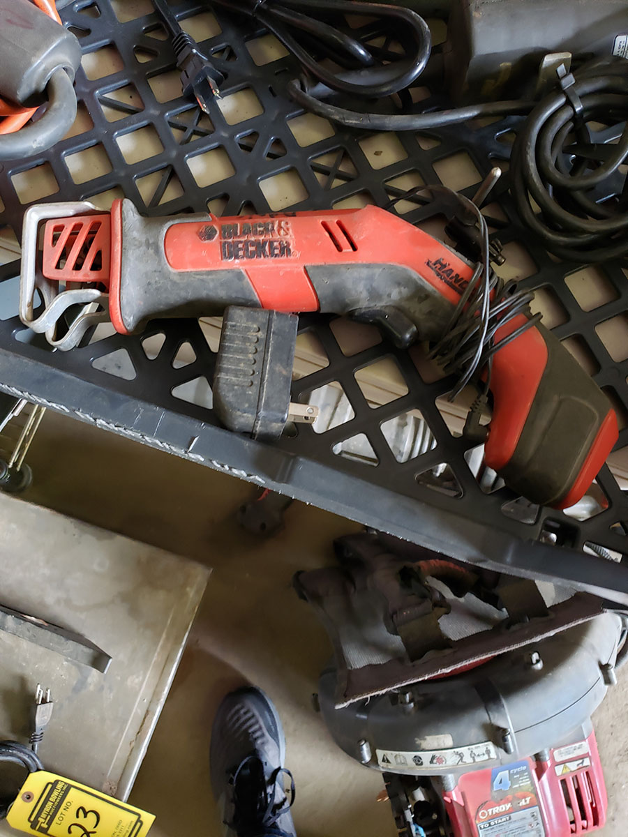 LOT OF ASSORTED BLACK & DECKER ELECTRIC TOOLS - Image 3 of 6