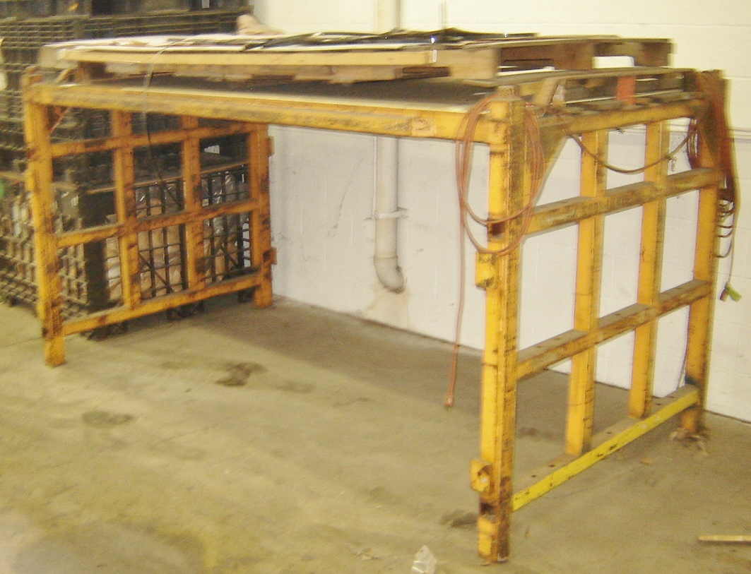 Lot 26 - SPECIAL HEAVY DUTY PARTS STACKER RACK