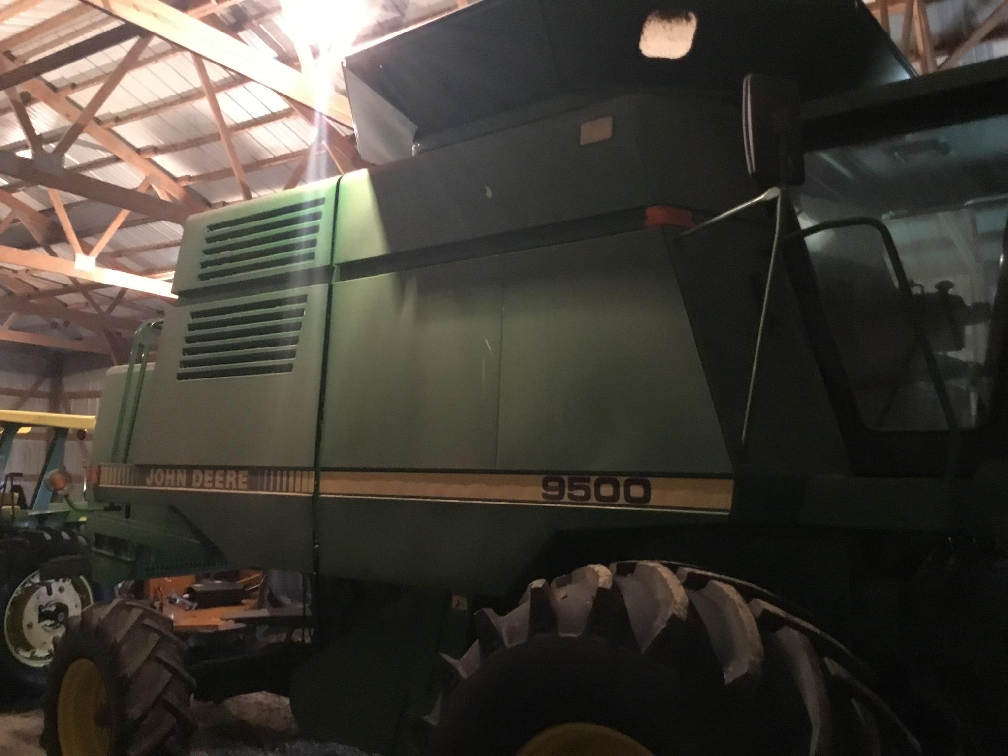 1996 John Deere 9500 Combine, Mauer Bin Extension, Vittetoe Schaff Spreader, Throat Dust Fan, - Image 23 of 25