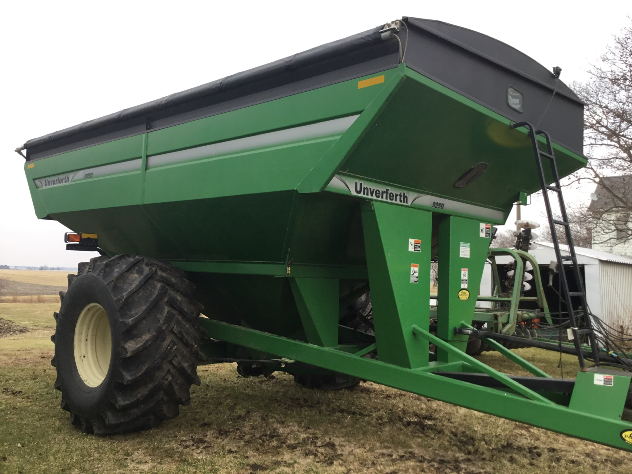 2009 Unverferth 9250 1,000 Bu. Auger Cart, Hydraulic Spout, 3 Cameras, Roll Tarp, New Augers, 900- - Image 5 of 15