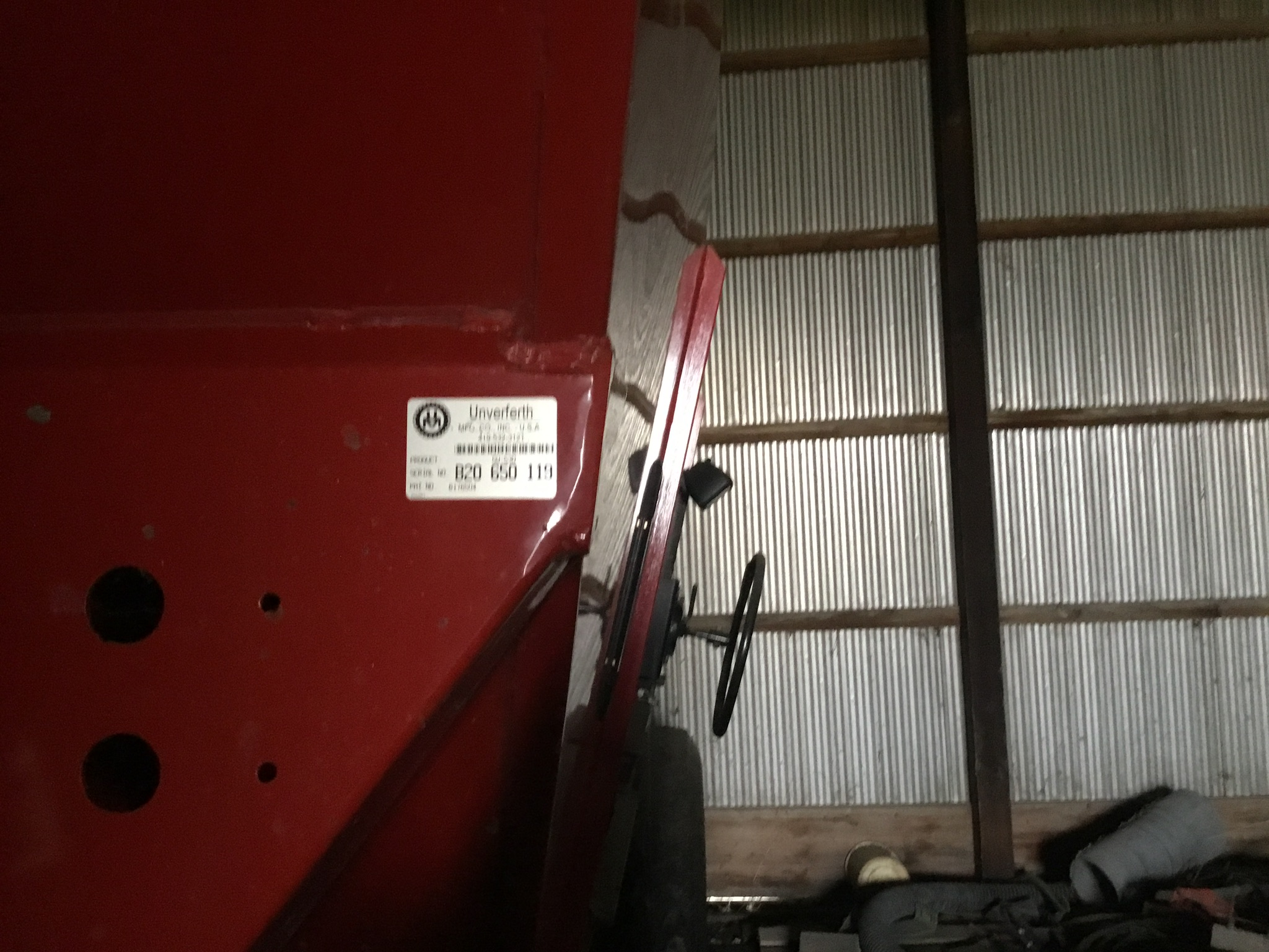 Unverferth 530 Side Dump Wagon, Brakes, 425-65R-22.5 Tires, Serial #B206-50-119, Red, Sharp - Image 2 of 6