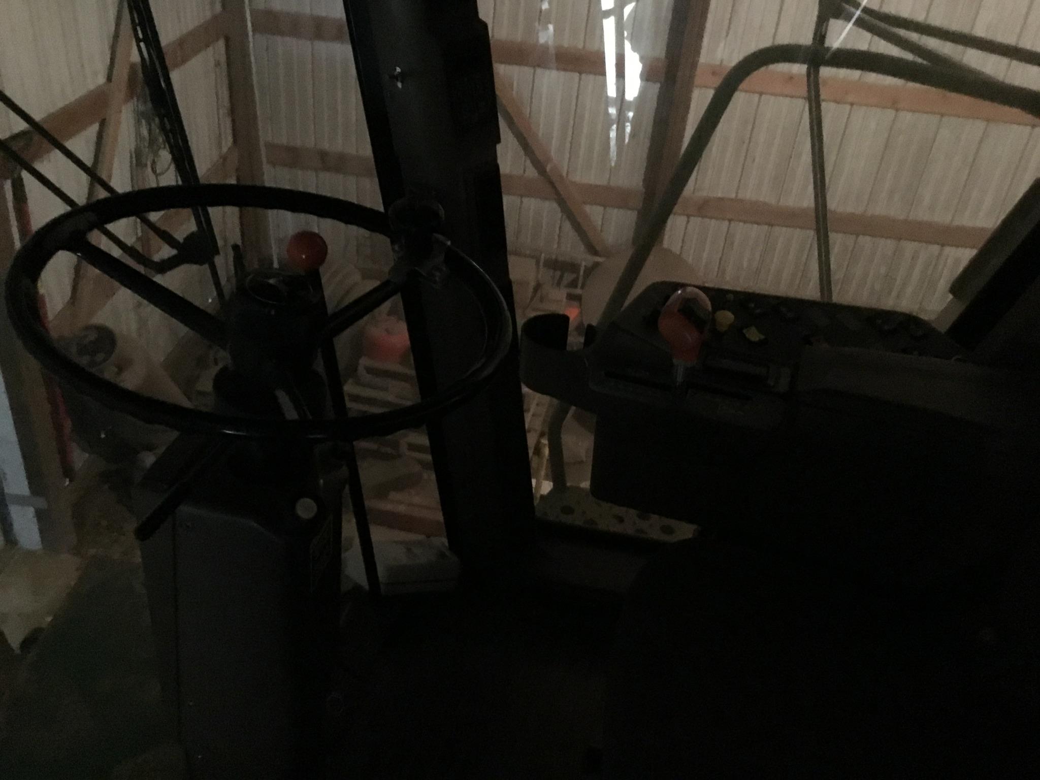 1996 John Deere 9500 Combine, Mauer Bin Extension, Vittetoe Schaff Spreader, Throat Dust Fan, - Image 6 of 25