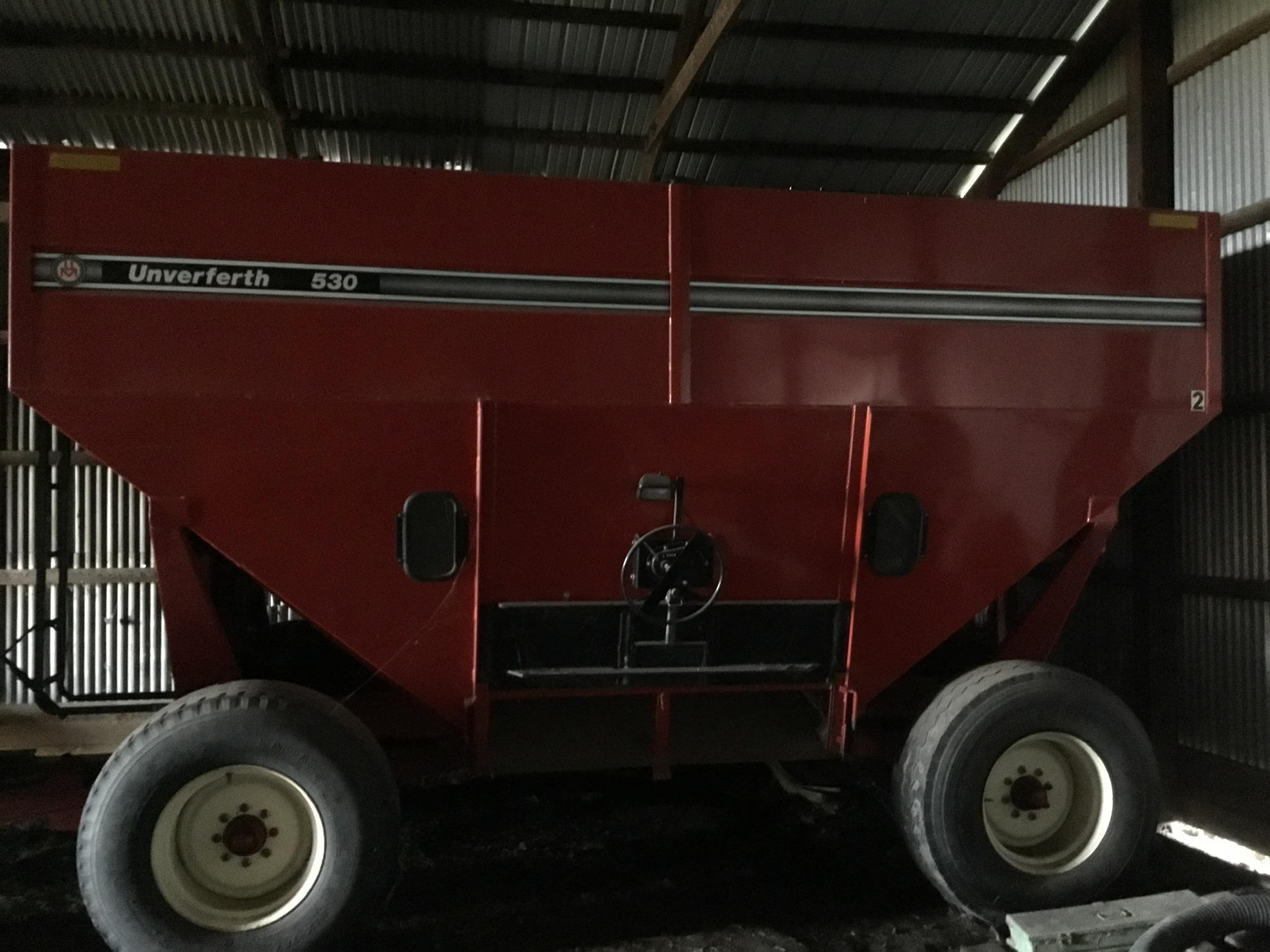 Unverferth 530 Side Dump Wagon, Brakes, 425-65R-22.5 Tires, Serial #B206-50-119, Red, Sharp