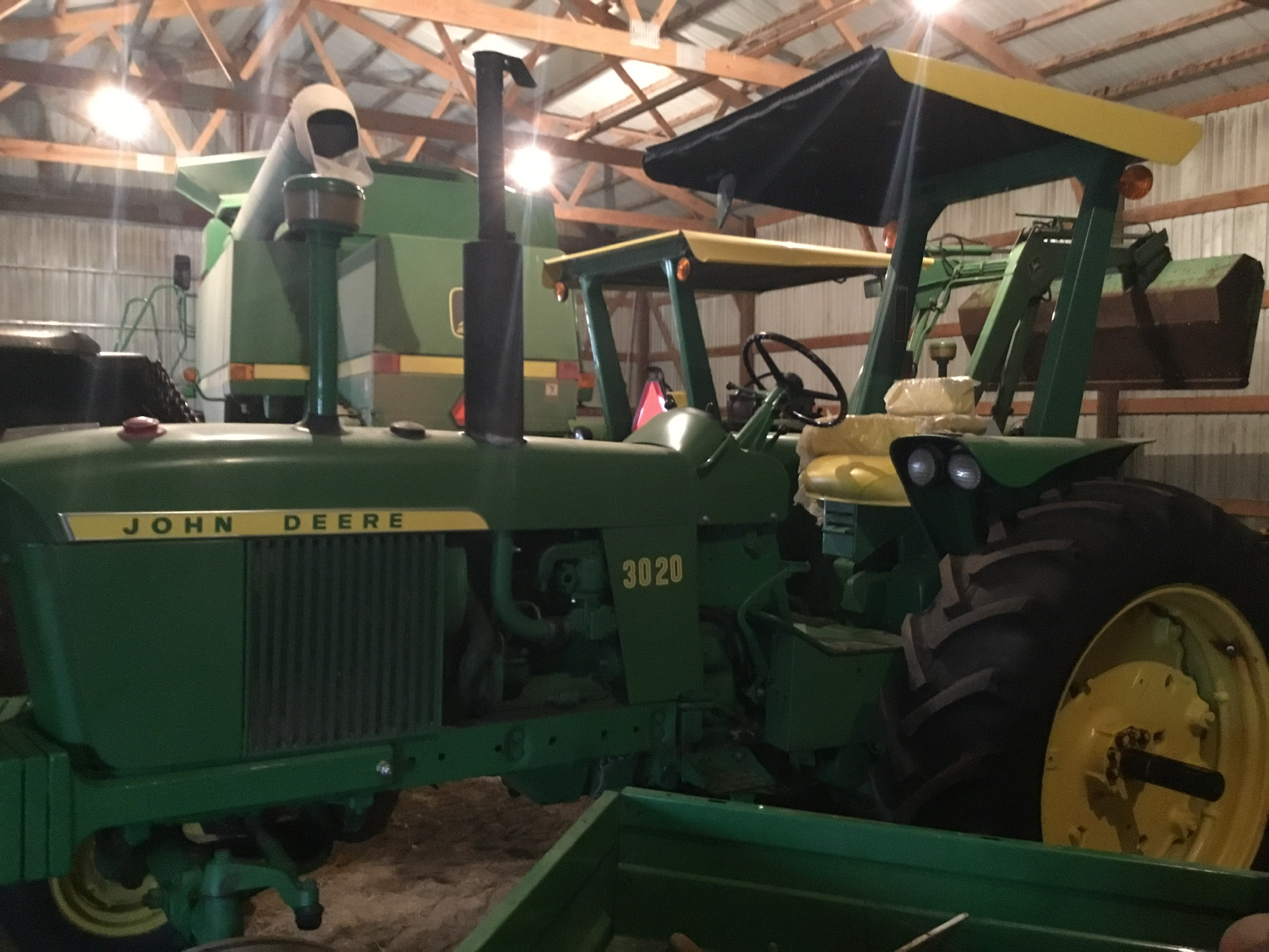 1966 John Deere 3020 Gas, JD Wide Front, Synchro Range, Roll Bar & Canopy, Dual Hydraulic Remotes, - Image 3 of 13