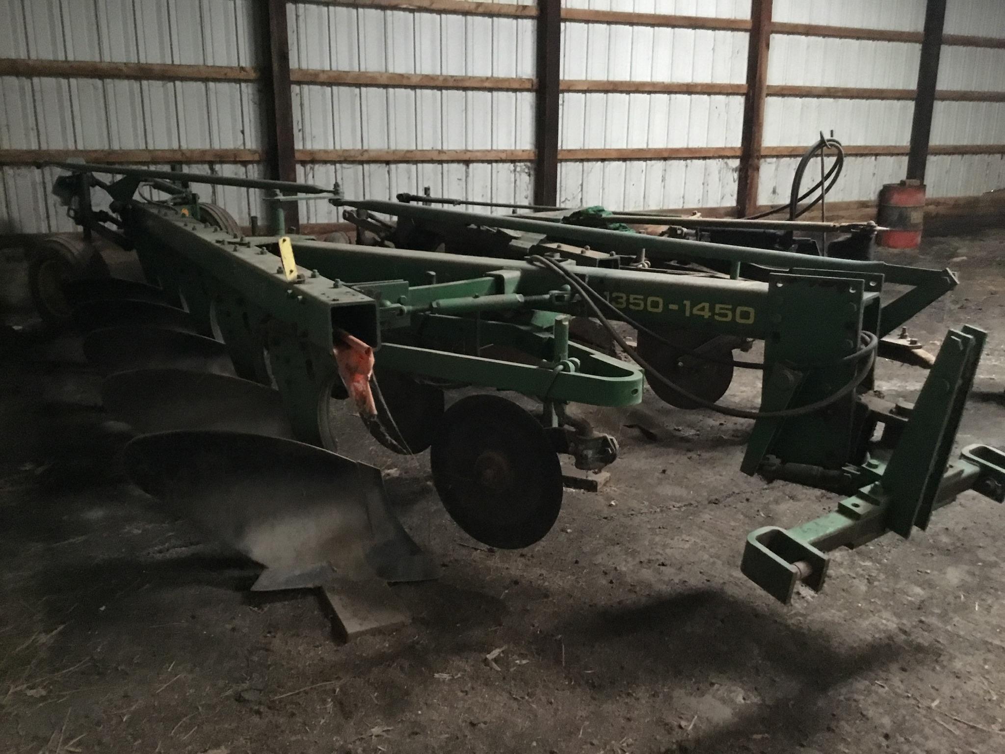 John Deere 1350-1450 5 Bottom Plow, 5/18 Bottoms Serial #25149