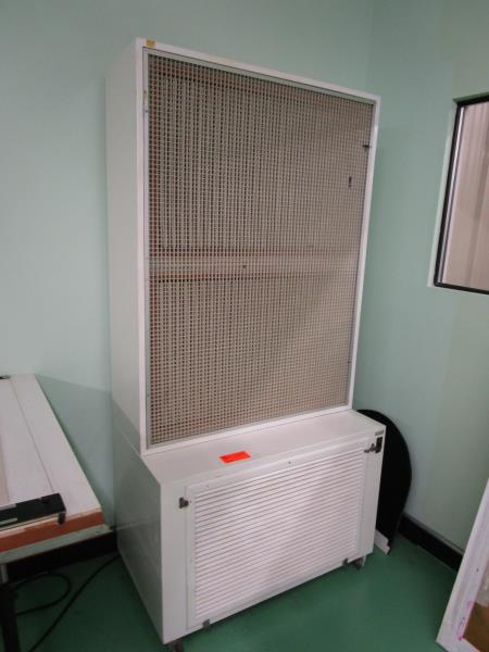 Lot 20 - Rolling Air Cleaner De-Ionizer
