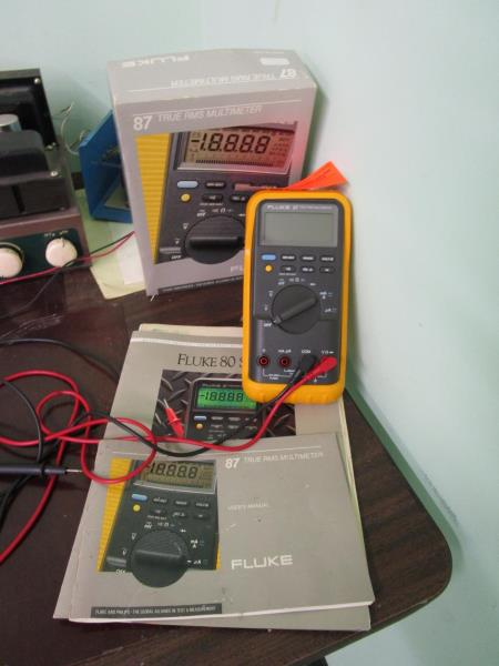 Lot 34 - Fluke 87 True RMS Multimeter