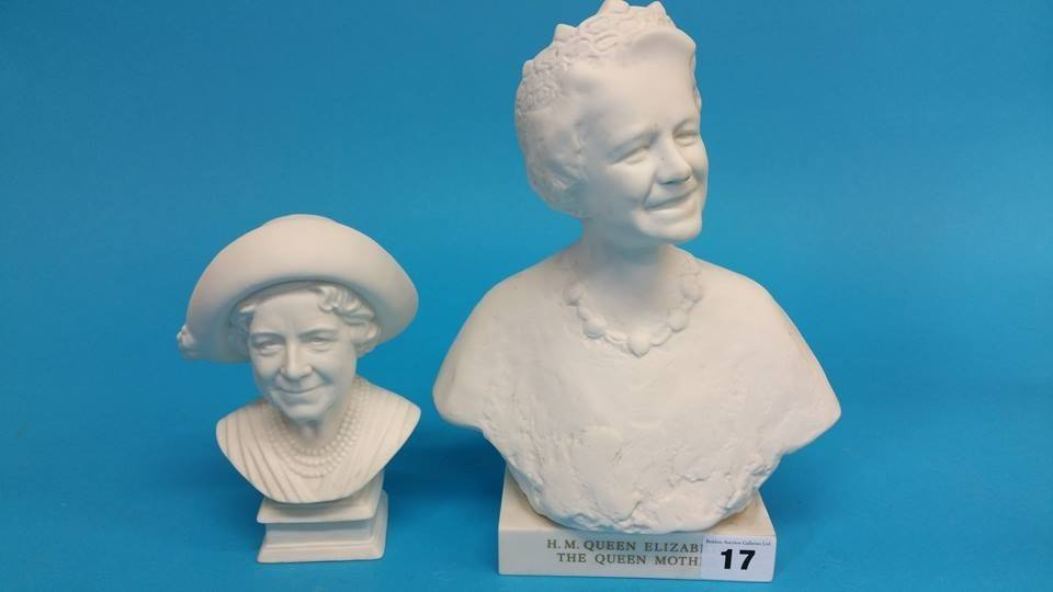 Lot 17 - A Limited Edition Wedgwood bust of 'HM Queen Eliza