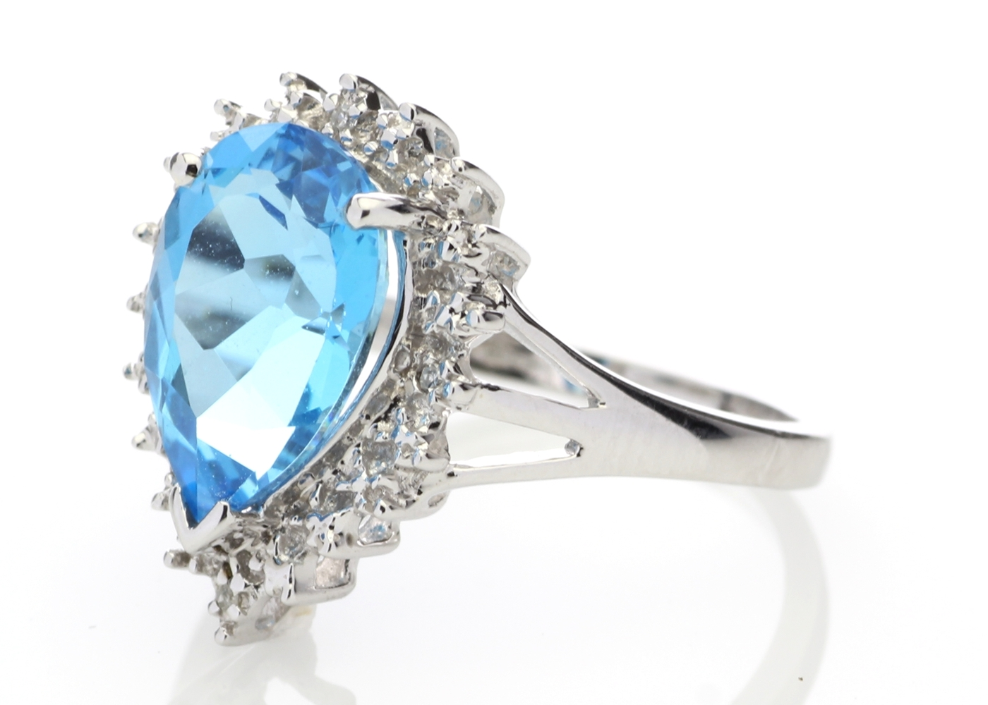 9ct White Gold Diamond And Blue Topaz Ring - Image 2 of 6