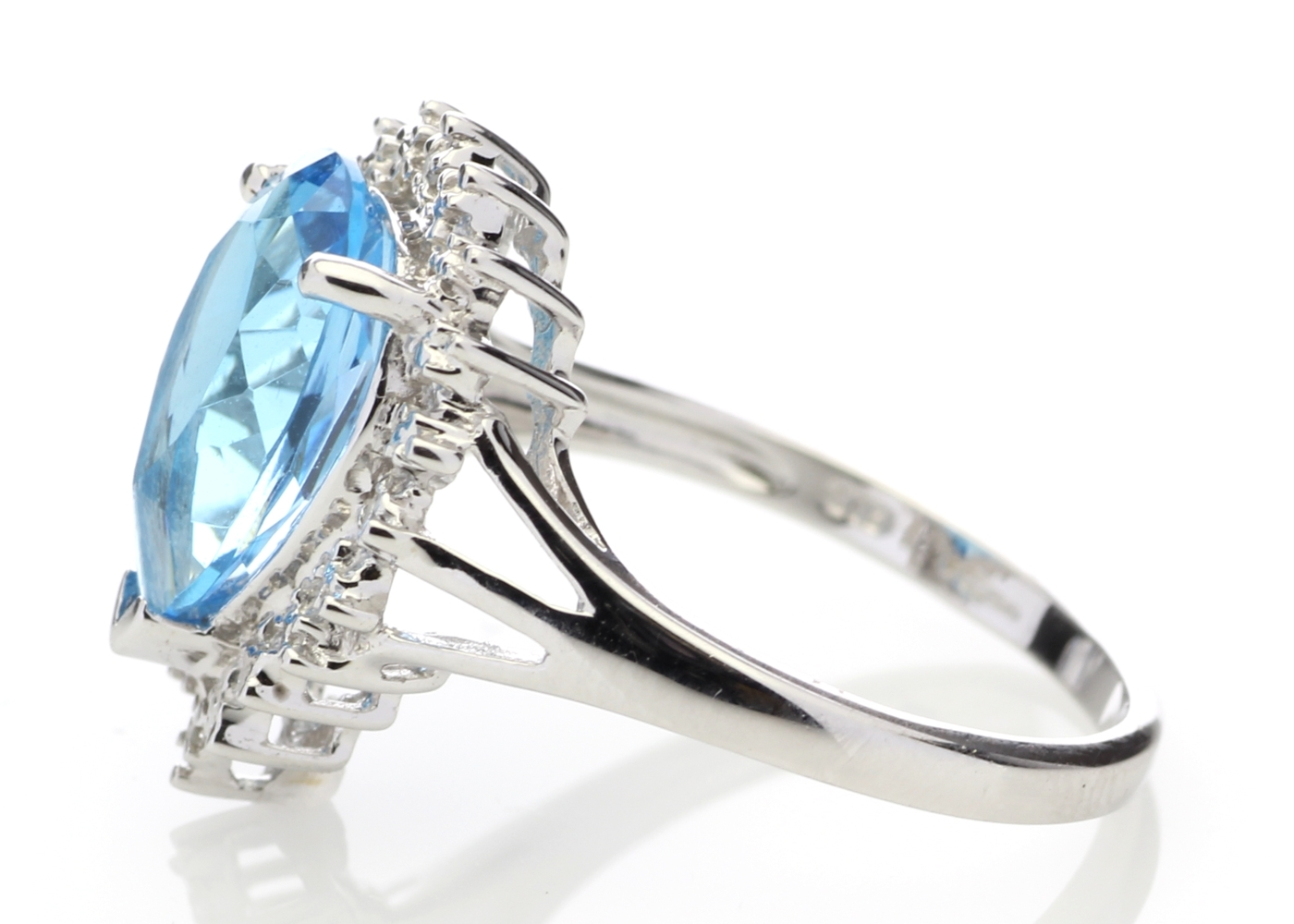 9ct White Gold Diamond And Blue Topaz Ring - Image 3 of 6