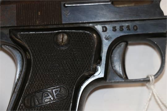 French MAB brevete model D semi automatic pistol with de