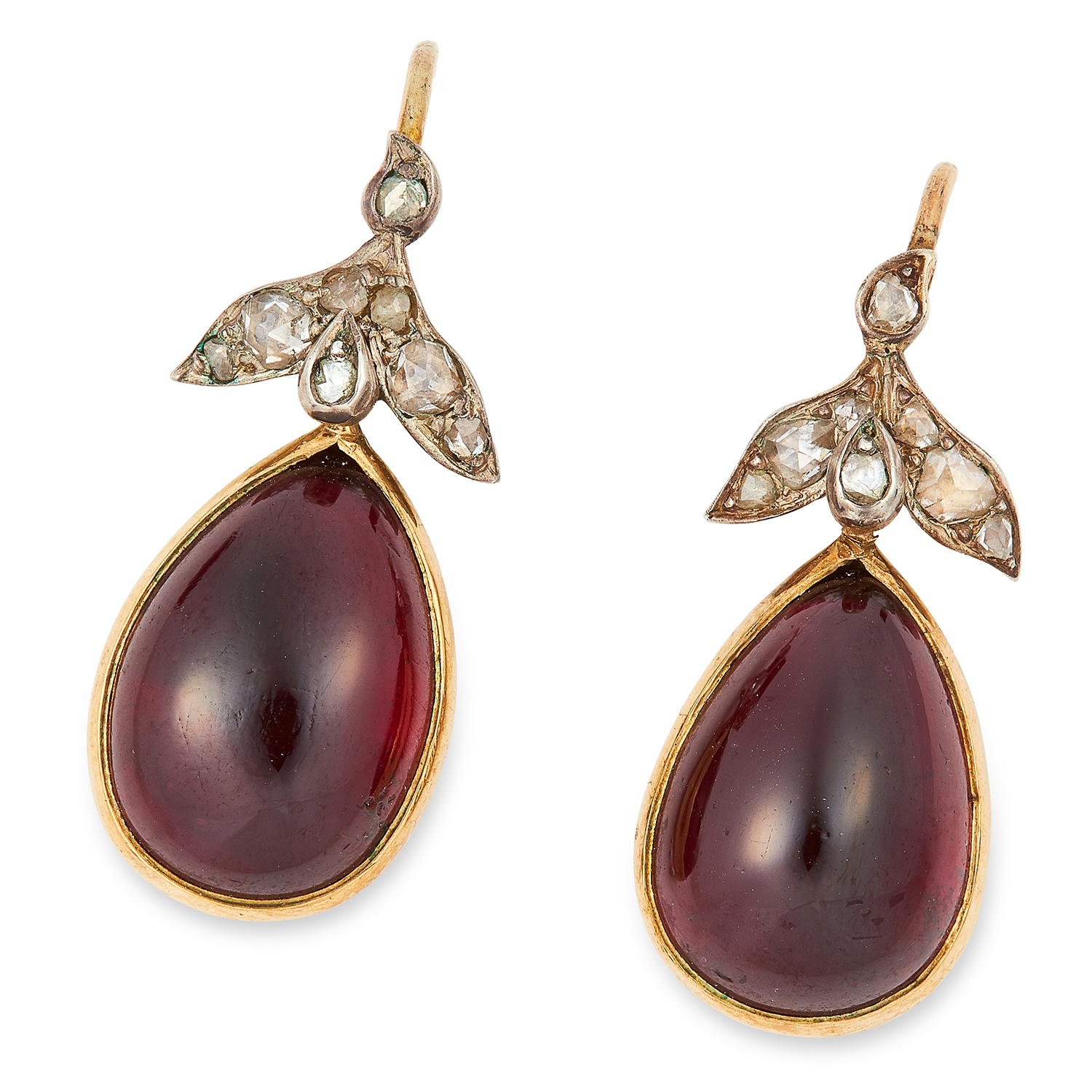 Los 45 - ANTIQUE VICTORIAN GARNET AND DIAMOND EARRINGS each set with cabochon garnet and rose cut diamonds,