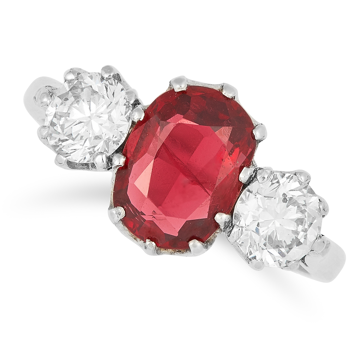 Los 6 - RED SPINEL AND DIAMOND RING set with an oval cut spinel of approximately 1.84 carats between two