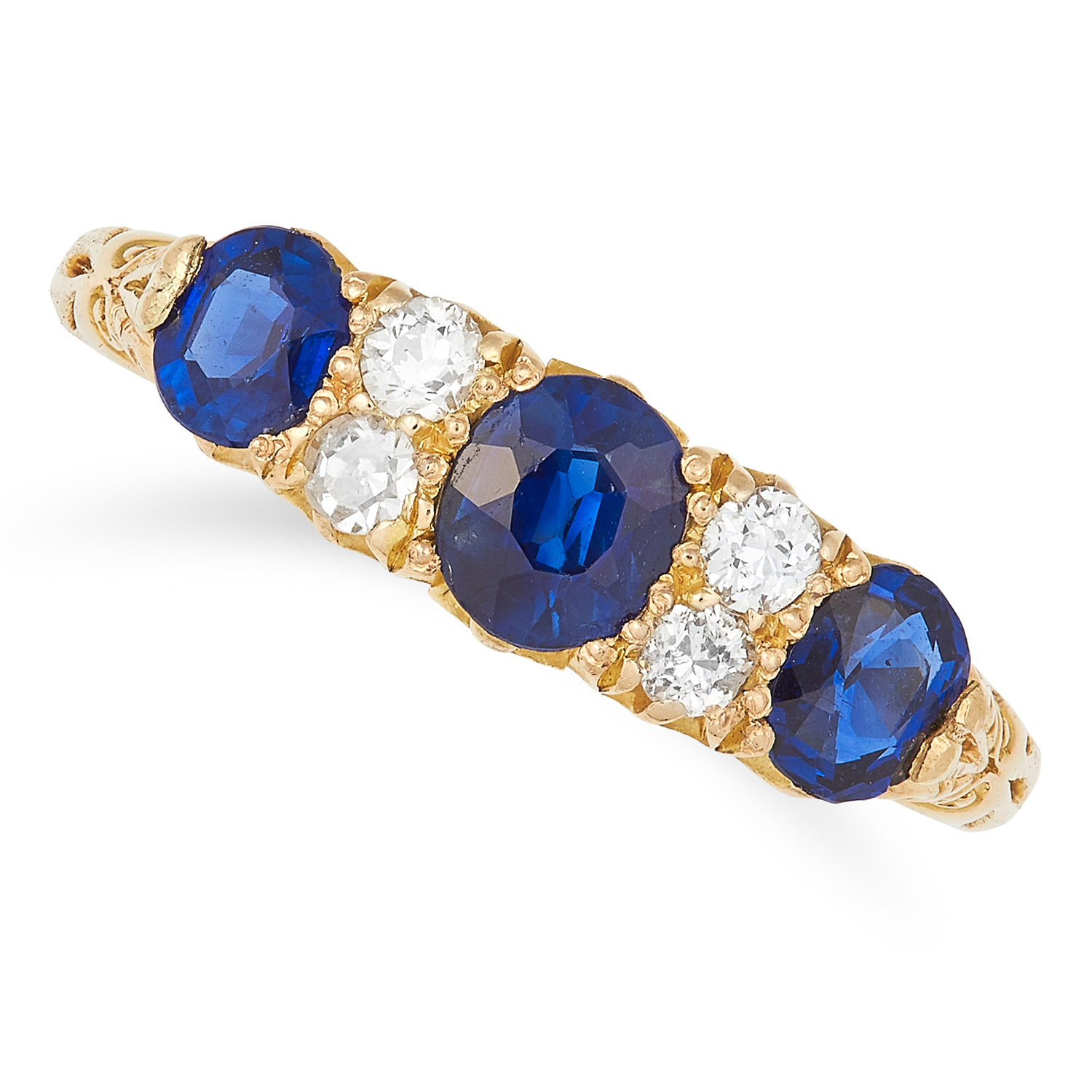 Los 2 - SAPPHIRE AND DIAMOND RING set with three oval cut sapphires totalling approximately 1.09 carats