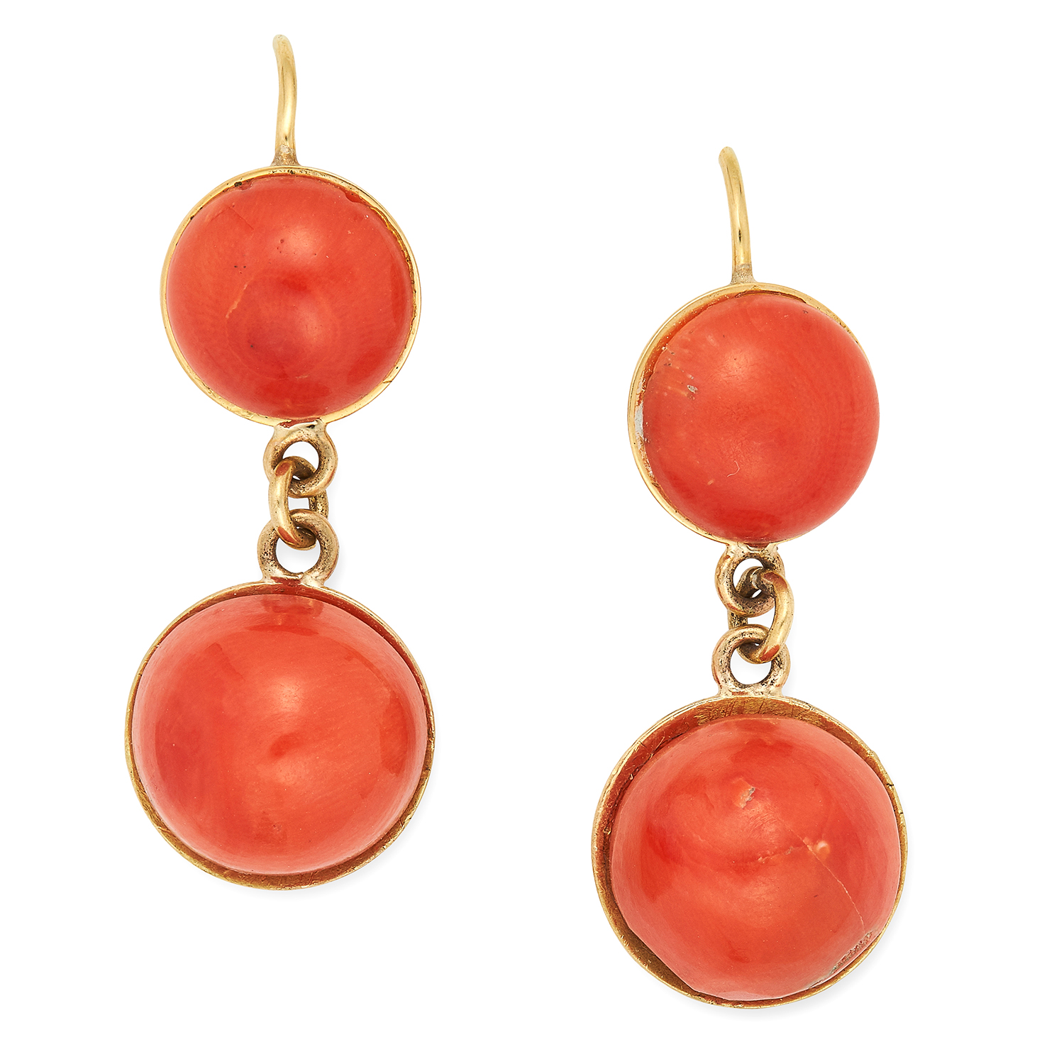 Los 36 - CORAL EARRINGS, set with cabochon coral, 3.3cm, 7.9g.