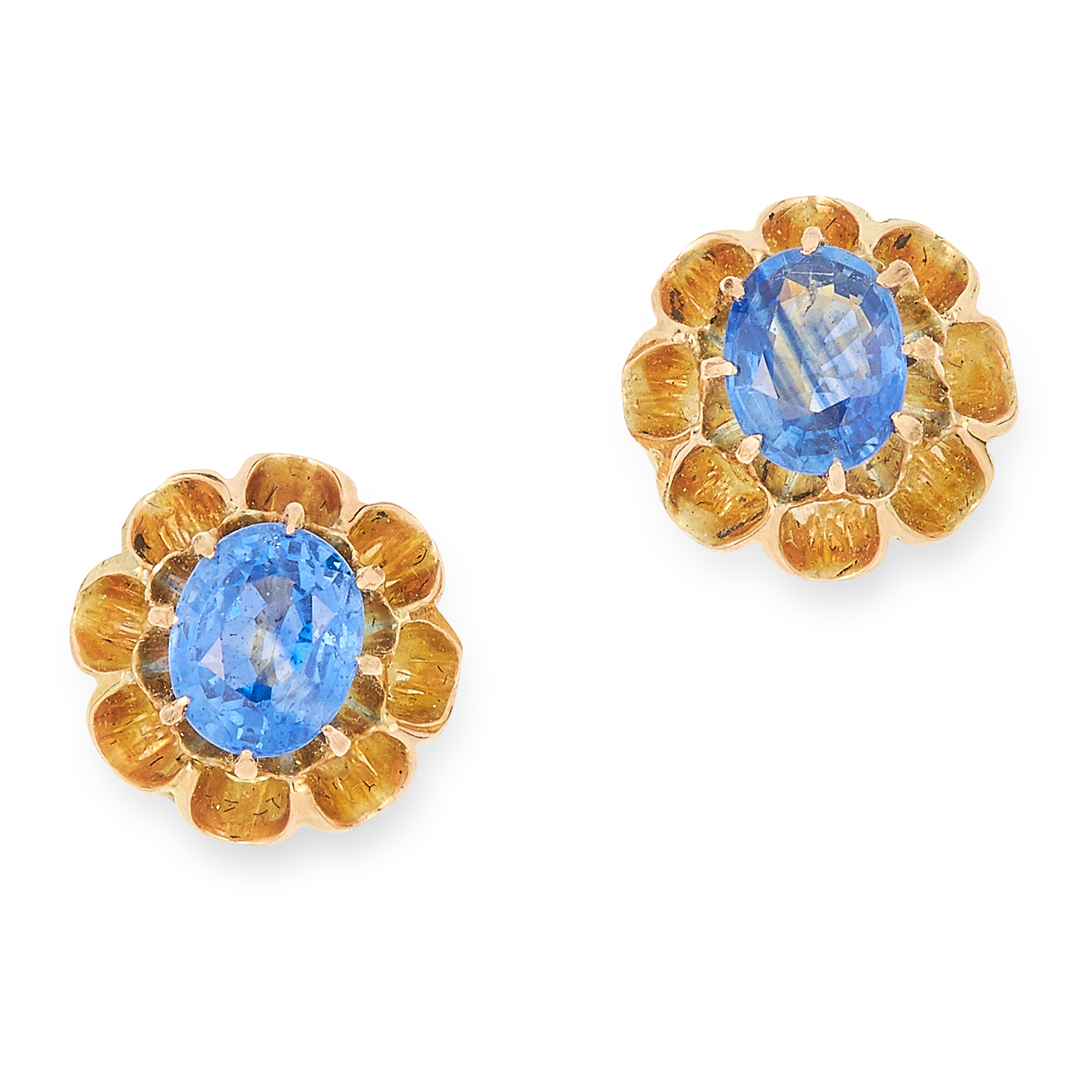 Los 35 - SAPPHIRE EARRINGS, set with oval cut sapphires in a floral border, 9mm, 3g.