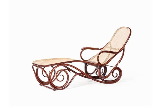 Thonet, Chaise Lounge Model No. 2, Bentwood, Vienna, After 1945 Beech  Bentwood, Mahogany Finish,