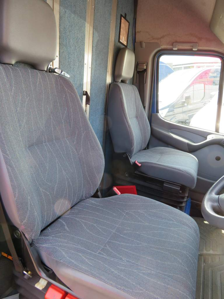 Lot 3 - 2002 Mercedes 416 CDI Sprinter Van - Twin Wheel