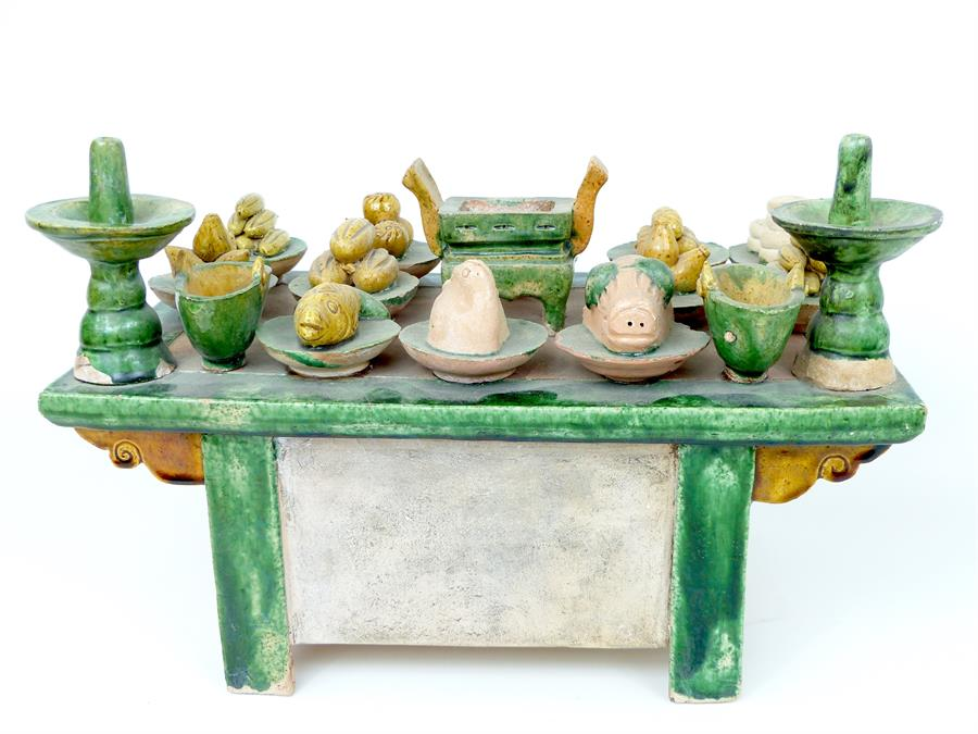 Lot 6 - Egg and Spinach Ceramic Table Scene