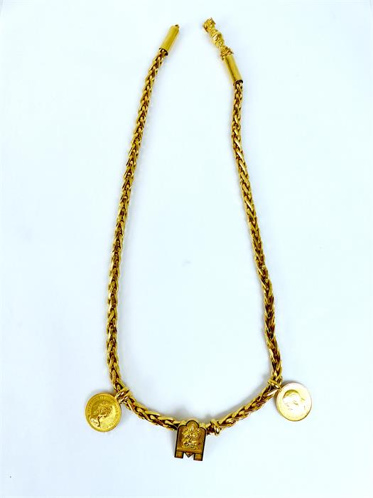 Lot 26 - A weighty, 22 ct yellow gold, chain necklace with three pendants